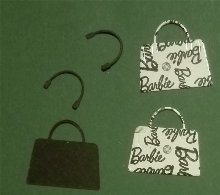 Upcycling: Barbietasche aus Verpackung