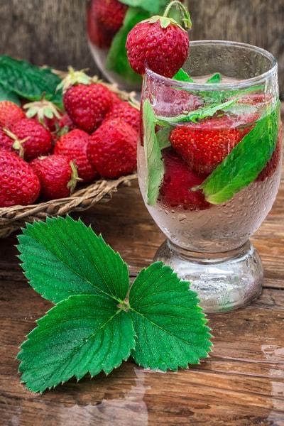 5 Rezepte für Erdbeerbowle