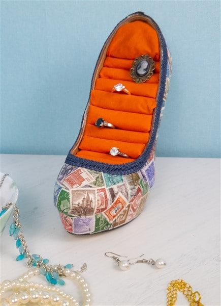 Ringhalter aus Schuhen selber basteln