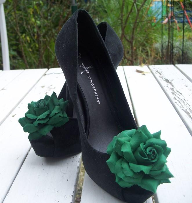 Schuhe mit Wechselschmuck selber machen