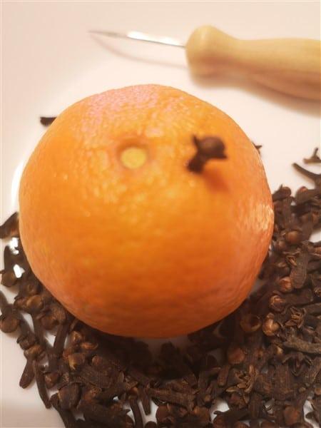 Pomander aus Orangen und Mandarinen selber machen